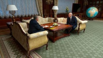 """Лукашенко рассчитывает на договоренности с """"Роснефтью"""" о дальнейшем сотрудничестве"""