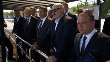 """Беспилотная техника и интеллектуальные разработки - Лукашенко ознакомился с инновациями при добыче щебня на """"Граните"""""""