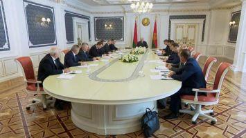 Лукашенко собрал совещание по актуальным вопросам развития пищевой промышленности