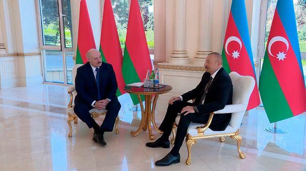 """""""Очень, конечно, тонкий вопрос"""" - Лукашенко предложил Алиеву углубить сотрудничество в нефтяной отрасли"""
