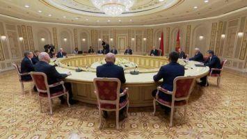 Лукашенко видит потенциал для увеличения товарооборота с Омской областью России до $100 млн