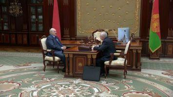 """""""Я, честно, благодарен тебе за все, что сделано"""". Лукашенко принял отставку Шеймана"""