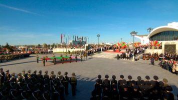 Лукашенко: флаг и герб Беларуси отражают национальную идею народа - стремление к независимой и мирной жизни