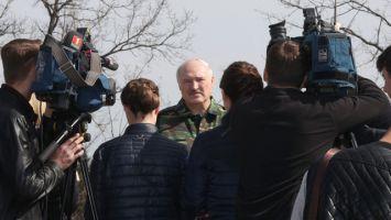"""""""Надо отдать дань уважения тем, кто там лежит"""" - Лукашенко высказался о Куропатах"""