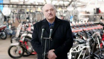 Президент Беларуси: если кто-то найдет дворец Лукашенко, сразу поезжайте и заселяйтесь