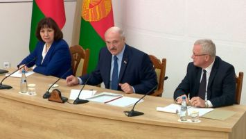 Лукашенко о рабочем графике президента: как белка в колесе