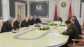 """""""За пять лет 16 млн нарушений"""" - Лукашенко собрал совещание по применению административной ответственности"""