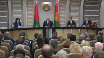 Лукашенко: каждое обращение - показатель безразличия местной власти к проблемам людей