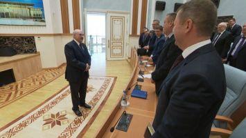 Лукашенко: суверенитет и независимость не продаются
