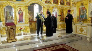 Лукашенко передал в дар церкви воссозданную святыню - напрестольный Туровский крест