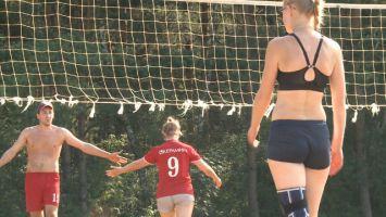 Жаркий пляжный волейбол в Минске