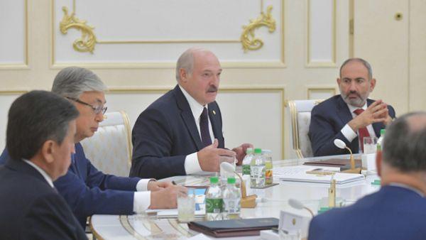 Лукашенко назвал непонятными предстоящие масштабные учения НАТО у границ Беларуси