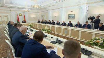 Лукашенко: у каждого, кто имеет право голоса, должна быть возможность принять участие в выборах
