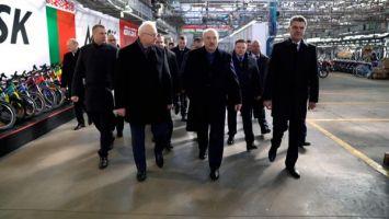 """Лукашенко требует по-хозяйски подходить к развитию территории """"Мотовело"""""""