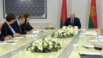"""""""Право на охрану здоровья незыблемо"""" - у Лукашенко обсудили изменения в законодательство о здравоохранении"""