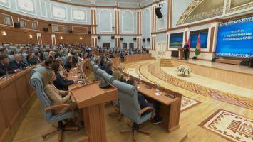 Лукашенко: все перемены пойдут от Конституции, а не от майдана