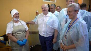 """""""Порядок наведем здесь"""" - Лукашенко незапланированно посетил Свислочскую сельхозтехнику и хлебопекарню"""