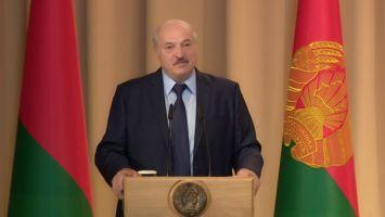 Лукашенко: белорусская армия сегодня - это компактные Вооруженные Силы