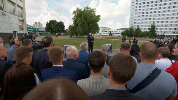 Лукашенко: никто никаких репрессий не предпринимал и предпринимать не будет