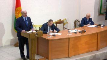 Президент Беларуси высказался насчет недостатка узкоспециализированных врачей в небольших районах