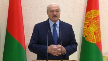 Лукашенко сравнил врачебную практику с работой Президента
