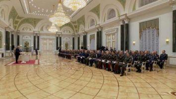 """""""Дальше - все. Нам отступать некуда, и мы отступать не собираемся"""" - Лукашенко предупредил участников беспорядков"""