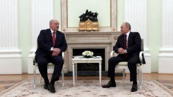 """Лукашенко отметил """"большую человеческую нотку"""" в послании Путина Федеральному собранию"""