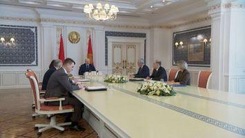 """""""Чтобы потом не кувыркаться и не жалеть"""" - Лукашенко ждет от разработчиков серьезнейшего закона о партиях"""