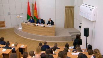 Лукашенко: я хочу спокойный парламент, но готовый вступиться за Беларусь