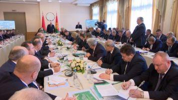 Итог президентского совещания по АПК Витебской области: никаких надстроек и возможность приватизации
