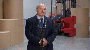 Лукашенко рассказал, почему не пользуется смартфоном и другими гаджетами
