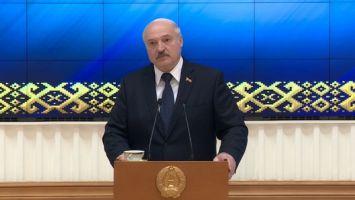 Лукашенко рассказал подробности об отъезде Тихановской в Литву