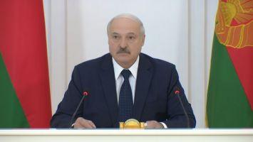 """""""Судили-рядили, стрелочника нашли"""" - Лукашенко прокомментировал историю с увольнением в Гомеле учителя"""