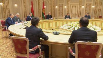 Лукашенко: нужно искать новые точки роста в развитии сотрудничества Беларуси и Татарстана