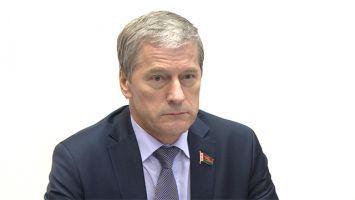 Белорусские парламентарии в Панаме обсудили поставки в Эквадор белорусских тракторов и удобрений
