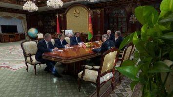 """""""Не обижайте людей"""" - Лукашенко напомнил руководителям на местах о справедливом отношении к работникам"""
