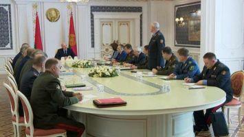 Лукашенко: идет гибридная война против Беларуси, и мы должны ждать пакостей с любой стороны