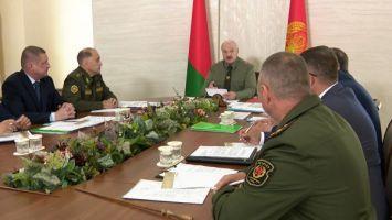Лукашенко: только всенародная оборона способна дать настоящий отпор противникам
