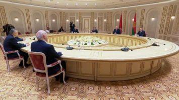 Лукашенко предложил Ленинградской области построить совместный терминал в морском порту