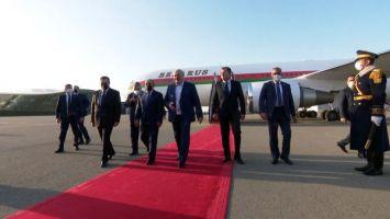 Лукашенко прилетел в Баку. Президенты Беларуси и Азербайджана провели неформальную встречу