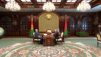 Лукашенко обещает поддержку развитию партийной системы Беларуси, но без искусственных мер