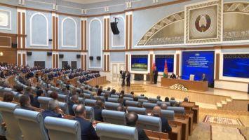Лукашенко: в основе политического курса страны - суверенитет и справедливое отношение к людям