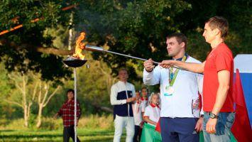 Cеребряный призер Олимпиады в Рио Вадим Стрельцов зажег олимпийский огонь