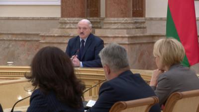 Лукашенко: есть вариант проекта нового Основного закона