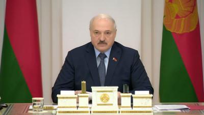 Лукашенко о фейках: мерзавцев у нас хватает, 99,8% - вранье