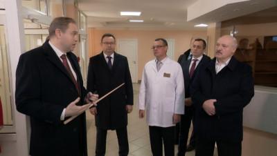 Допрос с пристрастием и ответ на обвинения в ковид-диссидентстве. Лукашенко посетил Лидскую центральную районную больницу