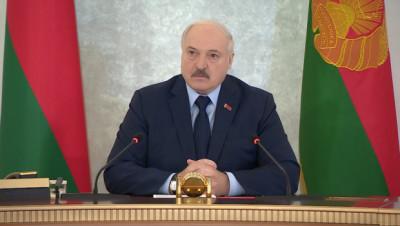 Лукашенко: вопреки надеждам населения и прогнозам науки коронавирус остается реальной угрозой для всех стран