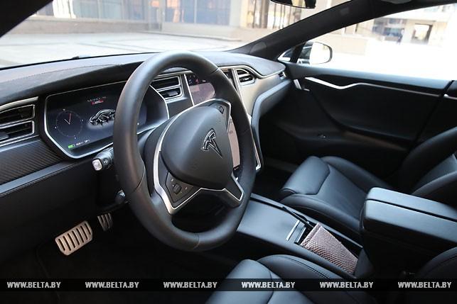 Лукашенко: в Беларуси нужно наладить производство электромобилей