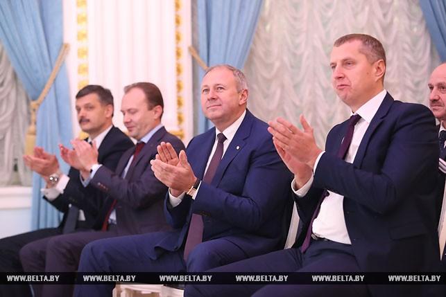 Премьер-министр Сергей Румас и министр экономики Дмитрий Крутой