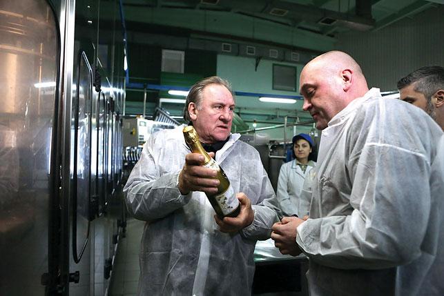 Вкусом белорусского шампанского восхищался сам Жерар Депардье, который посетил Минский завод виноградных вин в конце прошлого года!